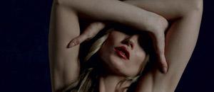 El erotiquísimo nuevo desnudo de Kate Moss
