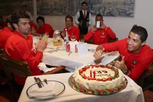 Así celebró su cumpleaños Cristiano Ronaldo (Fotos)