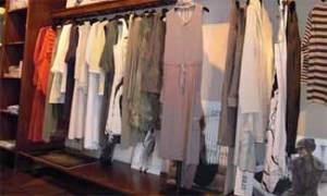 Las chicas de moda venden sus armarios