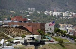 """EEUU alerta a sus ciudadanos en el país a prepararse para una """"estadía indefinida"""" (COMUNICADO)"""