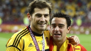 """Iker Casillas propone un """"clásico"""" benéfico entre leyendas del Real Madrid y Barcelona cuando pase la crisis del coronavirus"""