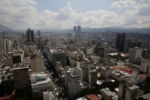 Reportan fuerte temblor en Caracas este #12Jul