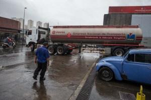 Incautaron cisterna con 5 mil litros de gasolina y pusieron a la orden del MP a siete individuos