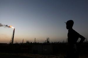 Argus: Pdvsa espera producir 40 mil b/d de gasolina hacia fines de esta semana