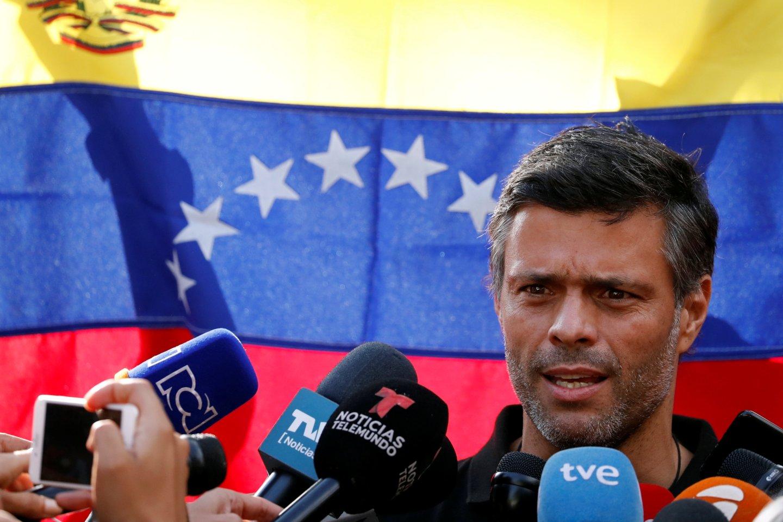El Mundo: Leopoldo López abandona la embajada española en Caracas