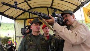 """¡Atención! Maduro alertó a su pandilla para """"defender la paz de los pueblos"""""""