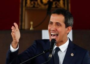 "Guaidó condenó que la ""justicia"" secuestrada de Cabello atacara a El Nacional"