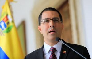 """Arreaza calificó el informe de ONU sobre Venezuela como """"un monumento a la piratería jurídica"""""""