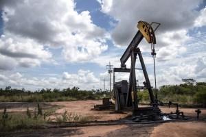 El precio del petróleo venezolano sube levemente