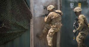 """Ejército de EEUU busca crear un aparato estilo """"Aliens"""" para divisar movimiento a través de las paredes (Video)"""