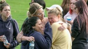 Los mensajes que una madre recibió de su hija durante tiroteo en escuela de California