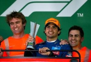 Carlos Sainz consiguió su primer podio de Fórmula Uno tras sanción a Hamilton