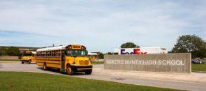 Juez dejó en libertad a joven que amenazó con atentar contra secundaria en Florida