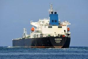 La marejada de envíos de Pdvsa a Cuba drenan los tanques locales y reabastecen la isla