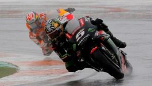 Una moto sin piloto protagonizó triple accidente en el Gran Premio de Valencia (VIDEO)