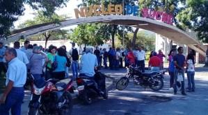 Empleados y profesores de la UDO protestan para exigir el pago de sus aguinaldos #11Nov