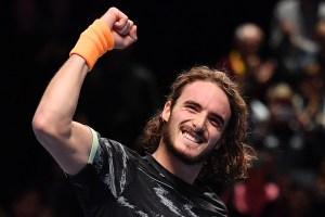 Tsitsipas eclipsa a Federer y alcanza la final del Masters