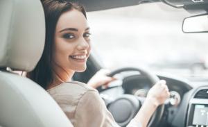 Las mujeres son oficialmente mejores conductores que los hombres, según una investigación