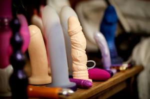 Robaron más de un millón de dólares en juguetes sexuales