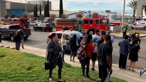 Muere el autor de matanza en una escuela secundaria de Los Ángeles