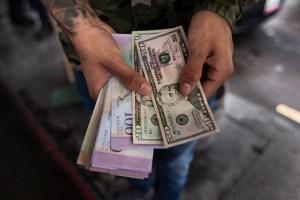 César Aristimuño pronostica mayor inflación, más devaluación y posible reconversión monetaria con impuesto a las divisas