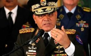"Padrino López acusó a Colombia de querer ""inutilizar"" armamento de Venezuela"