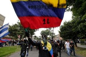 Se reactivan con fuerza protestas en Colombia en medio de choques con policía