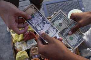 Dólar paralelo superó la barrera de los 100 mil bolívares este #6Abr
