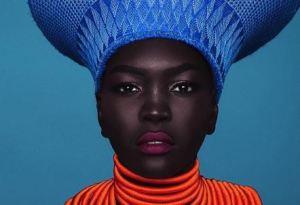 ¡WOW! Nyakim Gatwech la modelo que tiene la piel MÁS sexy y oscura del Mundo (Fotos)