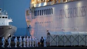 Cientos de pasajeros abandonan crucero en cuarentena, Tokio descarta eventos públicos