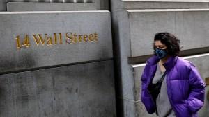 Wall Street cierra mixto y el Dow sube tras órdenes ejecutivas de Trump