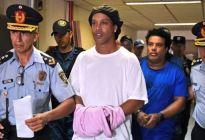¿Privilegios para Ronaldinho? Denuncian que pasa sus noches de fiesta con modelos durante su prisión domiciliaria