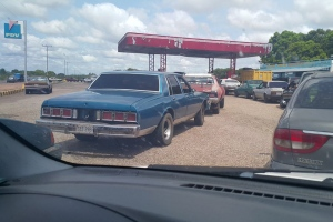 Prohiben la circulación de vehículos particulares en el estado Bolívar (FOTO)