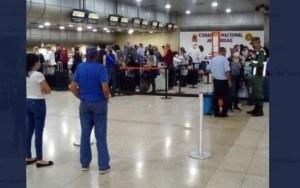 Así luce el Aeropuerto Internacional de Maiquetía este #9Abr (Fotos)