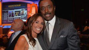 ¡TERRIBLE! Exjugador de la NFL lamió el rostro de su esposa para contagiarla con coronavirus