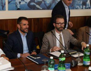 """Asociación futbolistas tacha de """"vergonzosa"""" la petición de reducir sueldos"""