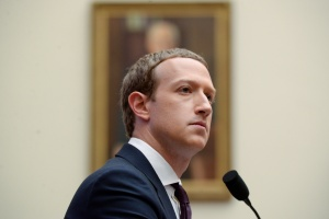 """Zuckerberg afirma a sus empleados que Biden ganó las elecciones y será el """"próximo presidente"""""""