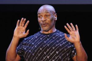 """El polémico VIDEO de Mike Tyson donde se come """"la cabeza"""" de su rival de boxeo"""