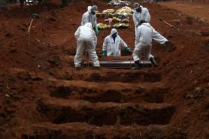 Cifra oficial de muertes Brasil por Covid-19 supera la de Italia