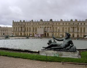 El Palacio de Versalles reabrió sus puertas tras cerrar más de dos meses por la crisis del coronavirus