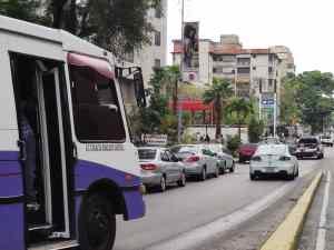 Caraqueños congestionan las bombas a la espera de la gasolina #2Jun (VIDEOS)