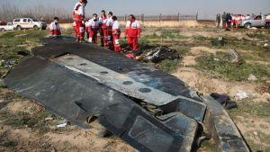 """Irán admite que derribó """"por error"""" un avión de pasajeros ucraniano; más de 170 muertos"""