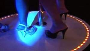 Dos clubes de striptease en Florida cierran por violar las reglas de Covid-19