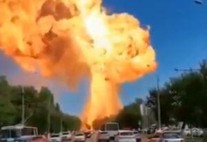 En VIDEOS: Así fue la fuerte explosión en una estación de servicio en Rusia
