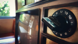 ¿Cómo unos televisores antiguos dejaron sin internet a toda una aldea?