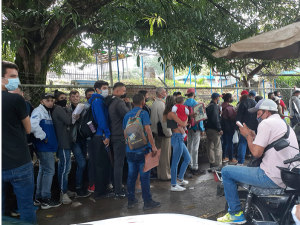Las colas para el Saime en Táchira, un caldo de cultivo para el coronavirus