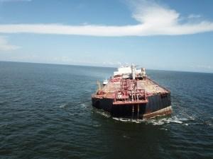 EEUU, preocupado por el riesgo ambiental que representa el hundimiento del buque Nabarima