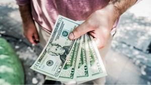 Amplían las opciones para facilitar el flujo de dólares en el país con cajeros que dispensarán efectivo