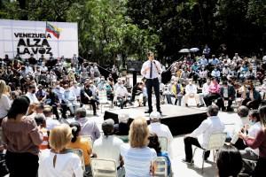 """Guaidó juramentó comando de campaña """"Venezuela alza la voz"""" para promover la Consulta Popular"""