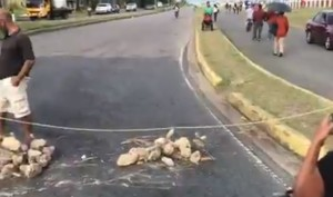 EN VIDEO: Tercer día consecutivo de protestas en Monagas por escasez de gas #21Oct